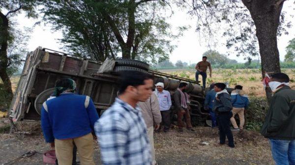 jalgaon-dhule-maharashtra-15-labours-died-on-the-spot